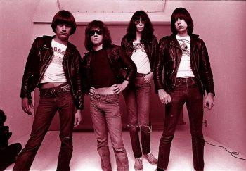 The Ramones ahorrando algódón gastando piel