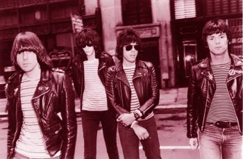 The Ramones caminando