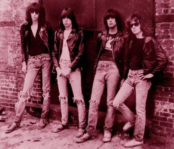 The Ramones delante del Inem