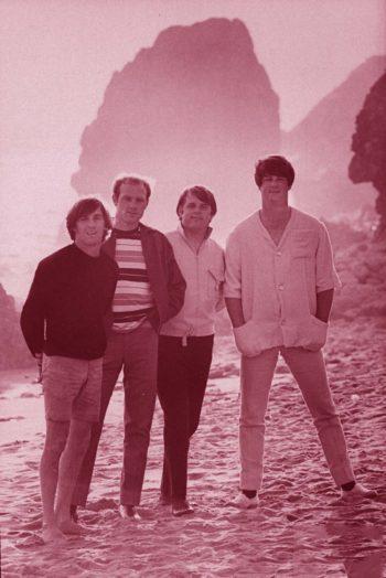 Beach Boys en la arena... ¿Atardece o Amanece?