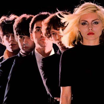 Blondie, todos en fila india