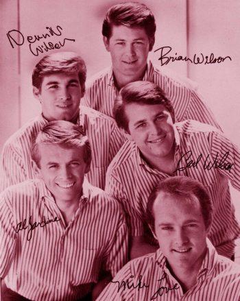 Beach Boys dejando su firma