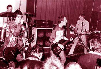 The Clash dándolo todo