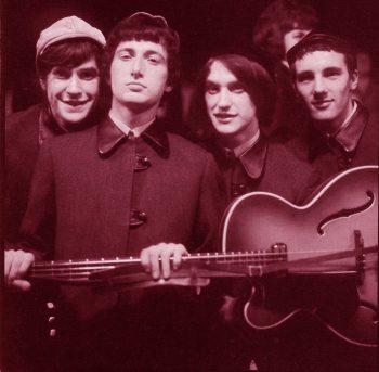 The Kinks agarrando